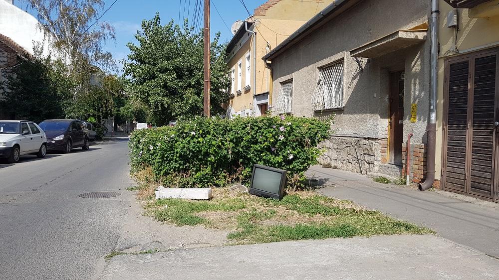 szeged tv közterület szemét illegális hulladék urbanology
